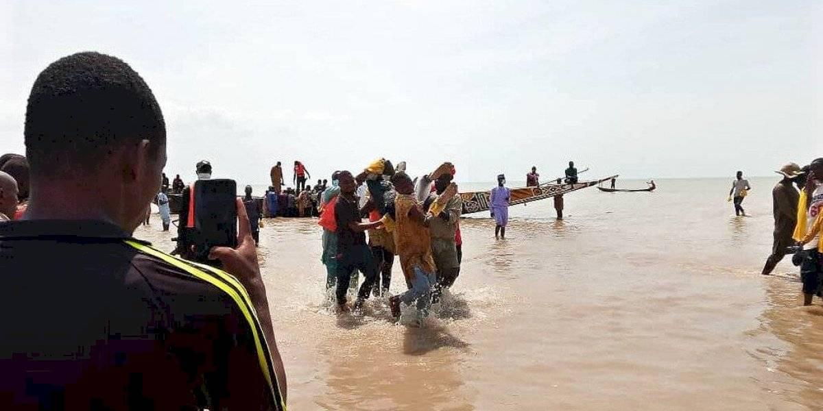60 muertos en naufragio en Nigeria; 83 siguen desaparecidos