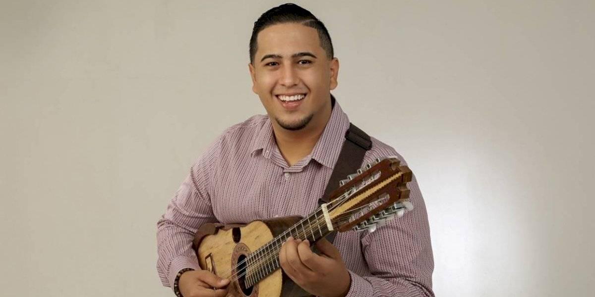 Música de cuatro puertorriqueño y reggaetón... nuevo sencillo de Juan R. Nieves