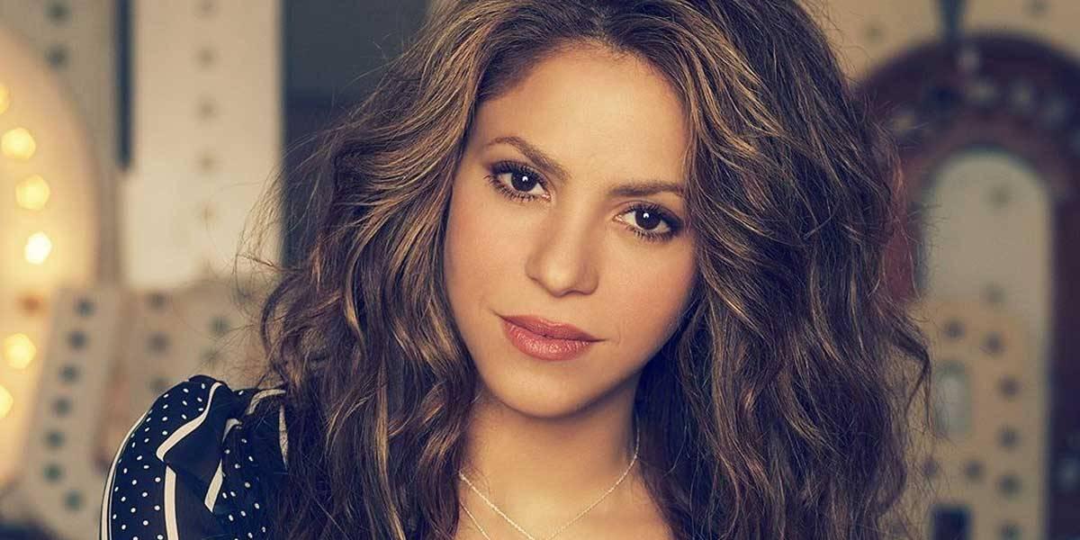 """Así lucía Shakira en """"El oasis"""", la telenovela que protagonizó a los 17 años"""