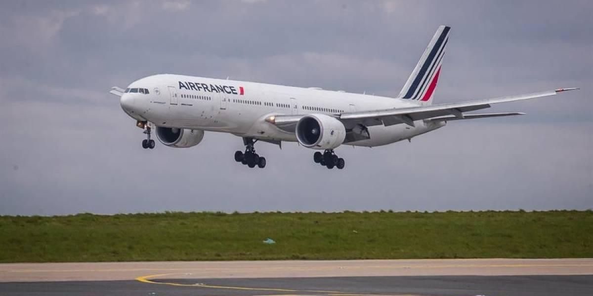 Avión en Francia aterrizó de emergencia ante sospecha de bomba a bordo