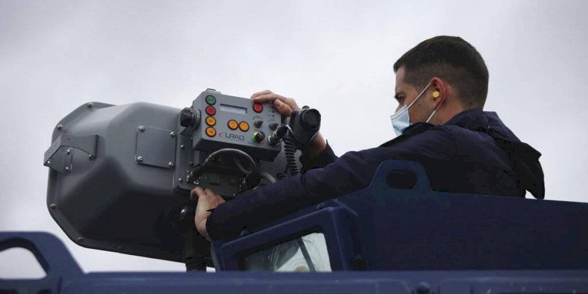 Preocupa a la Unión Europea uso en Grecia de cañón acústico contra impedir llegada de migrantes