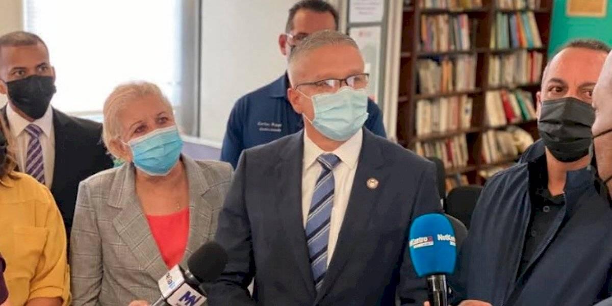 Alcaldesa de Loíza recibe a varios funcionarios para reforzar la lucha contra el crimen