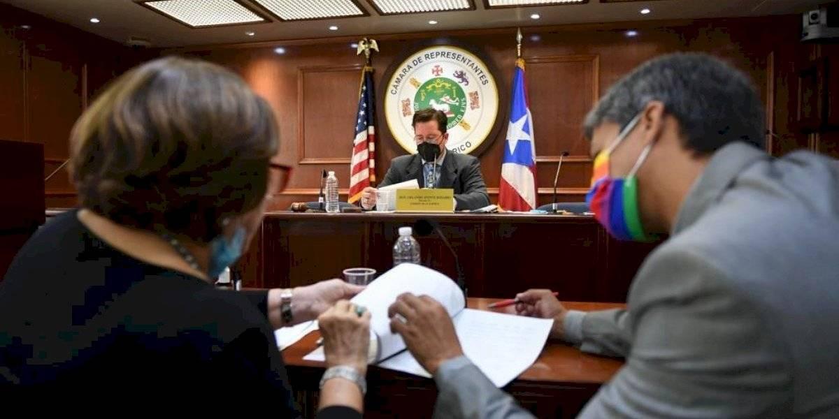 Sobre la mesa enmiendas al proyecto cameral para prohibir terapias de conversión