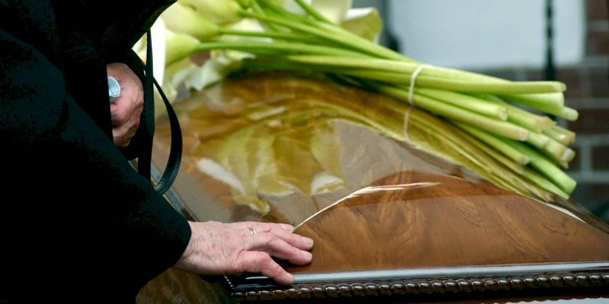 FEMA hace más accesible ayuda para gastos fúnebres de muertes por COVID
