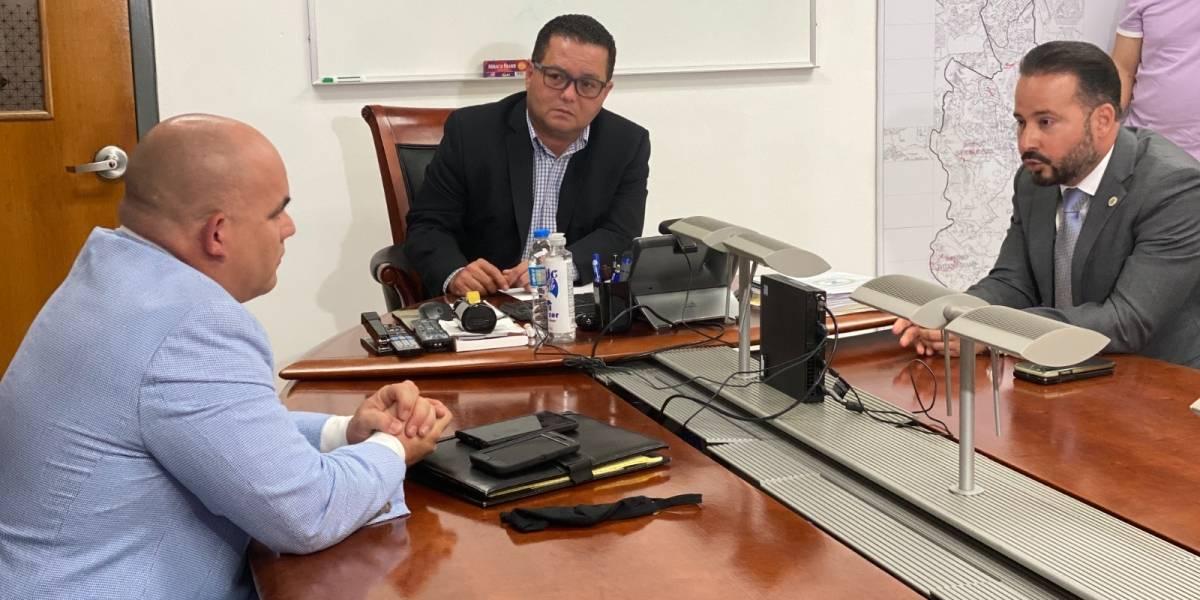 Alcaldes se reúnen con personal de LUMA por la falta de servicio eléctrico