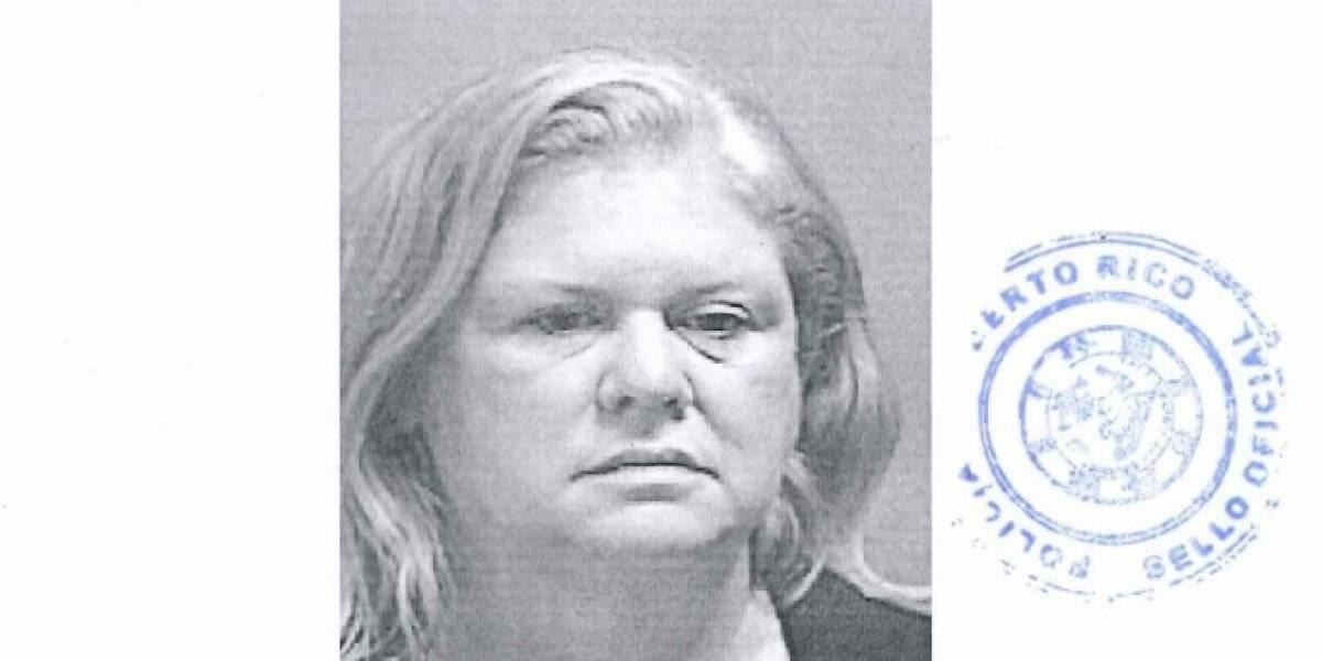 Libre bajo fianza mujer de Juana Díaz por Ley 54