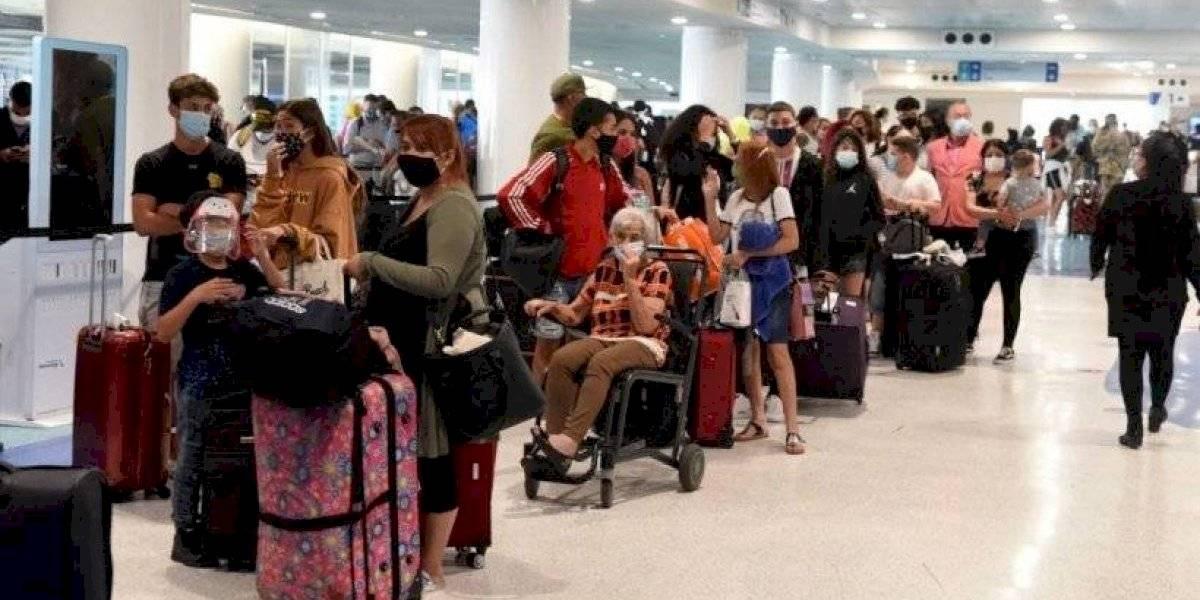 CDC baja a Puerto Rico a nivel 3 y recomienda vacunarse para viajar acá