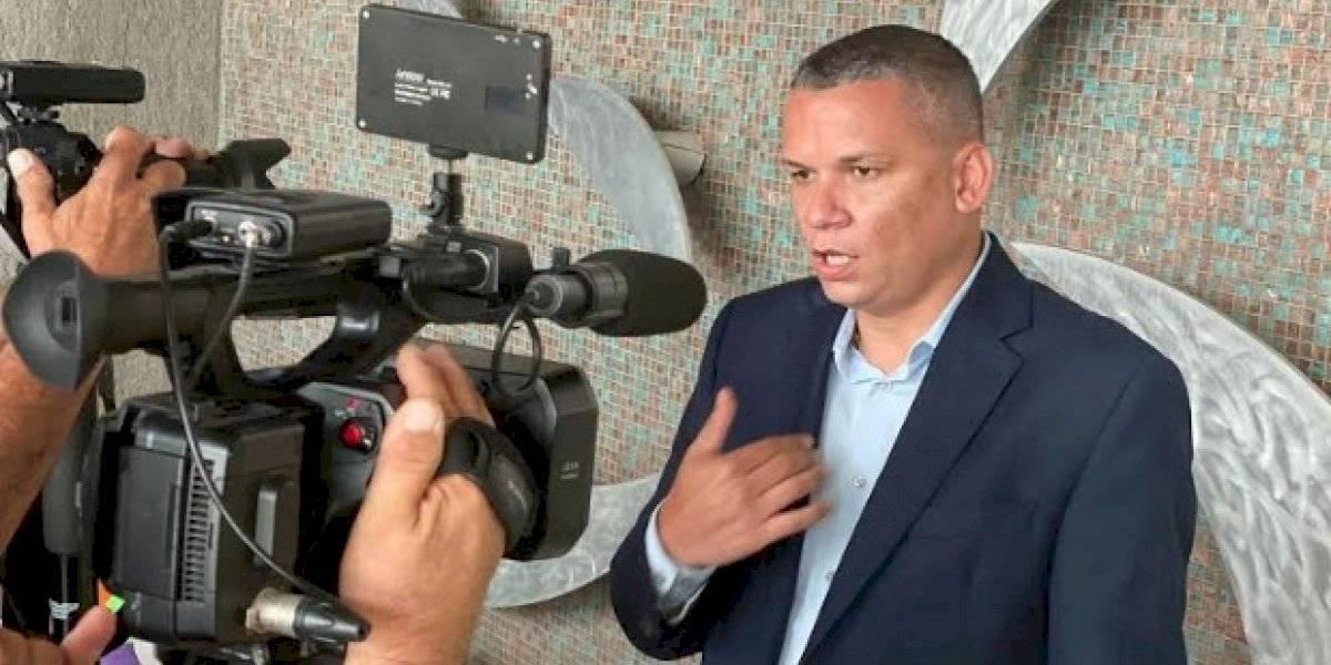 """Alcalde de Guánica asegura que """"hay que ponerle turbo"""" a la reparación de escuelas"""