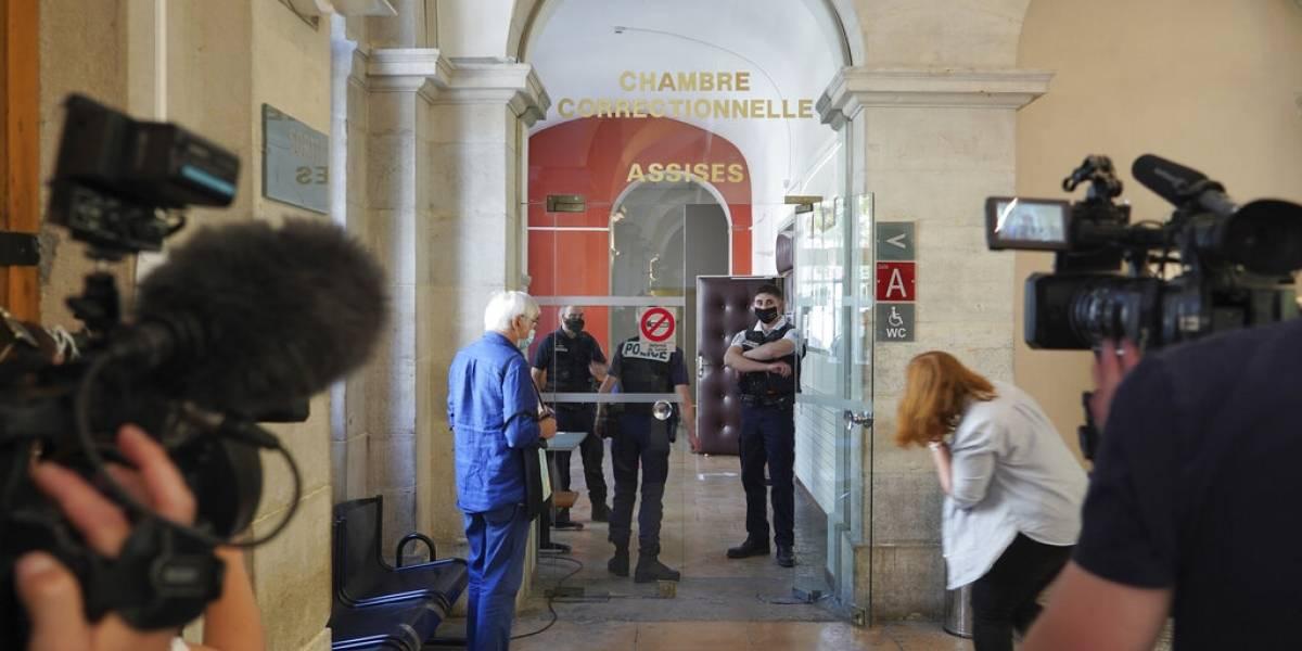 Francia: 4 meses de prisión a hombre que abofeteó a Macron