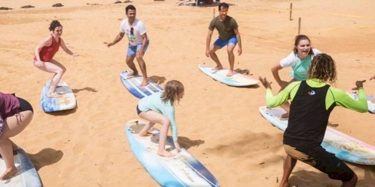 Conocida escuela de surfing cierra operaciones por falta de seguridad en Luquillo