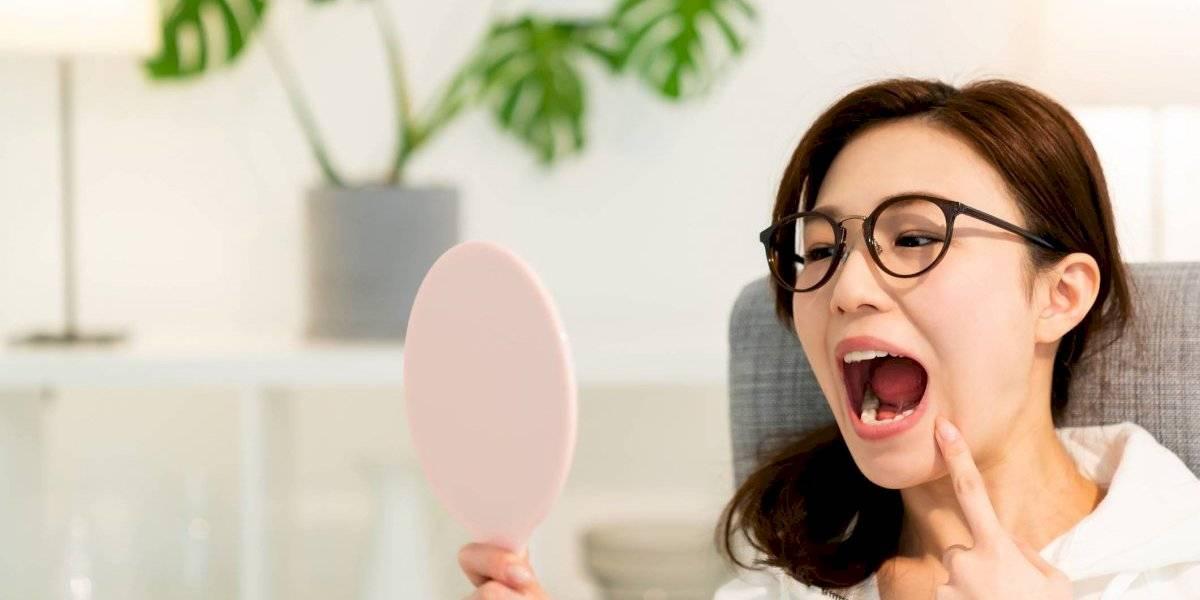 Salud oral: ¿Qué es y qué causa la periodontitis?
