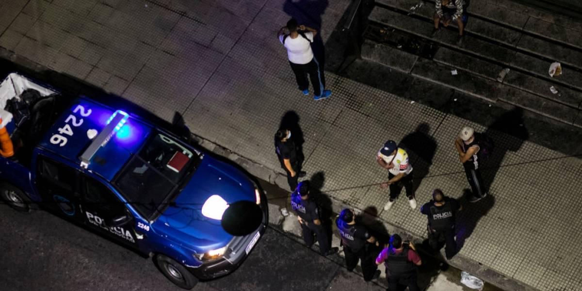 ¡Ups!: policías allanan casa, tiran gas pimienta, reducen al perro y era el domicilio equivocado