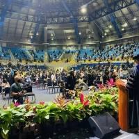 UPR Arecibo celebra graduación presencial otorgando 620 grados