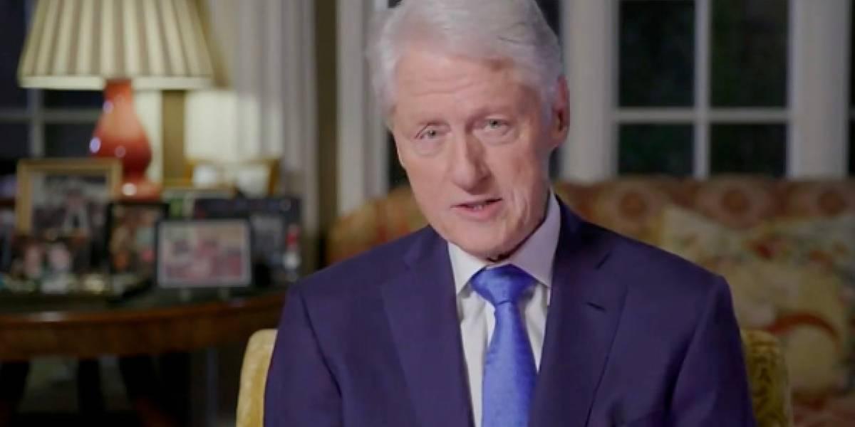 Hallan sin vida a un reportero que expuso una reunión secreta de Bill Clinton