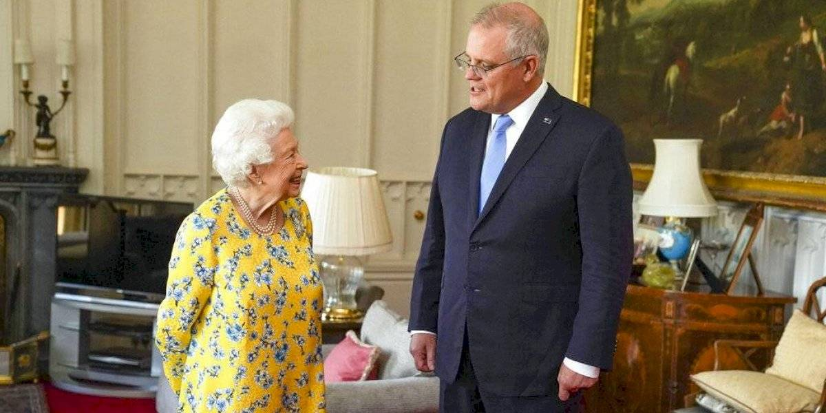 Reina Isabel II recibe a primer ministro de Australia en Windsor