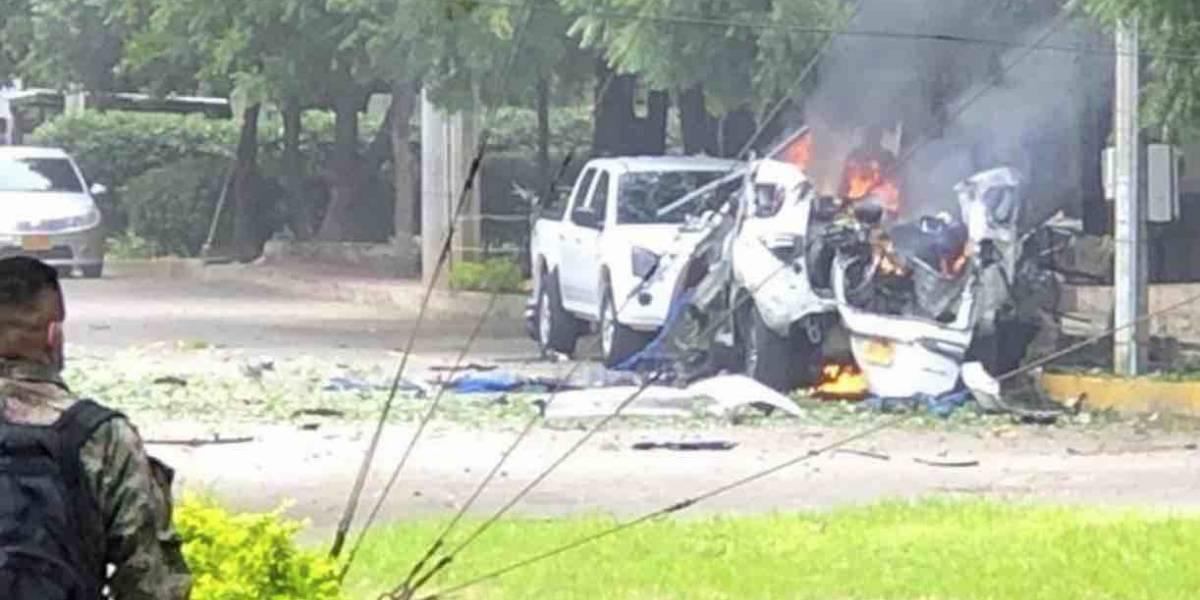 Reportan explosión de coche bomba dentro de base militar en Colombia