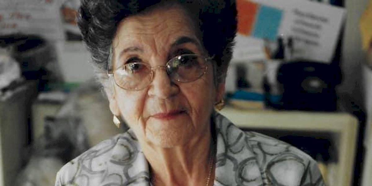Artesana puertorriqueña recibe importante premio a sus 95 años