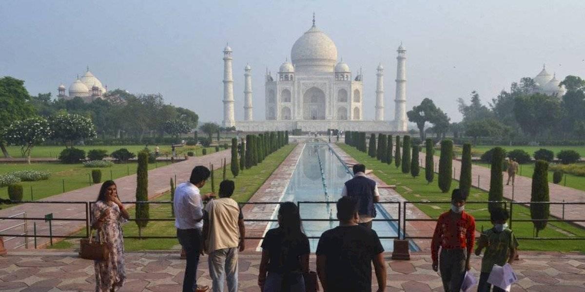 India reabre el Taj Mahal ante caída de los contagios de coronavirus