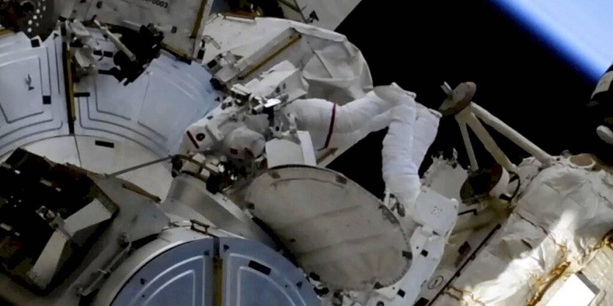 Instalan paneles solares en Estación Espacial Internacional
