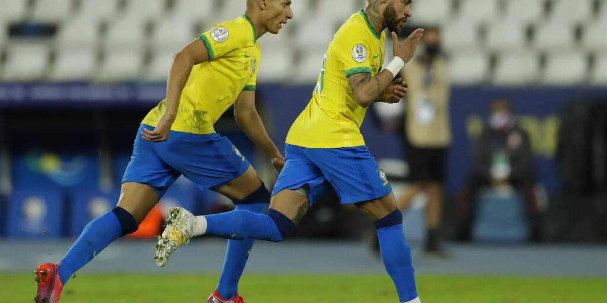 Brasil aplasta a Perú y controla su grupo en Copa América