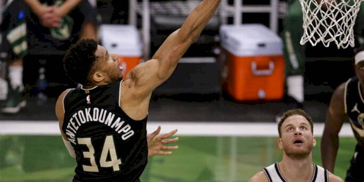 Bucks vencen 104-89 a Nets y obligan un juego 7