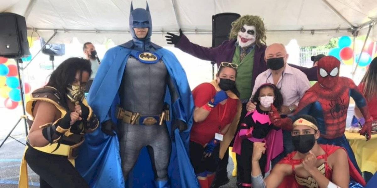 Llevan superhéroes a evento de vacunación en Juncos para atraer a los más jóvenes