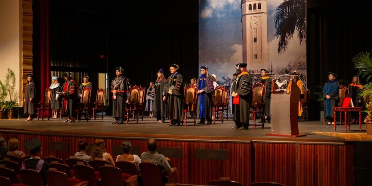 UPR Río Piedras gradúa alrededor de 2,600 estudiantes en ceremonia virtual