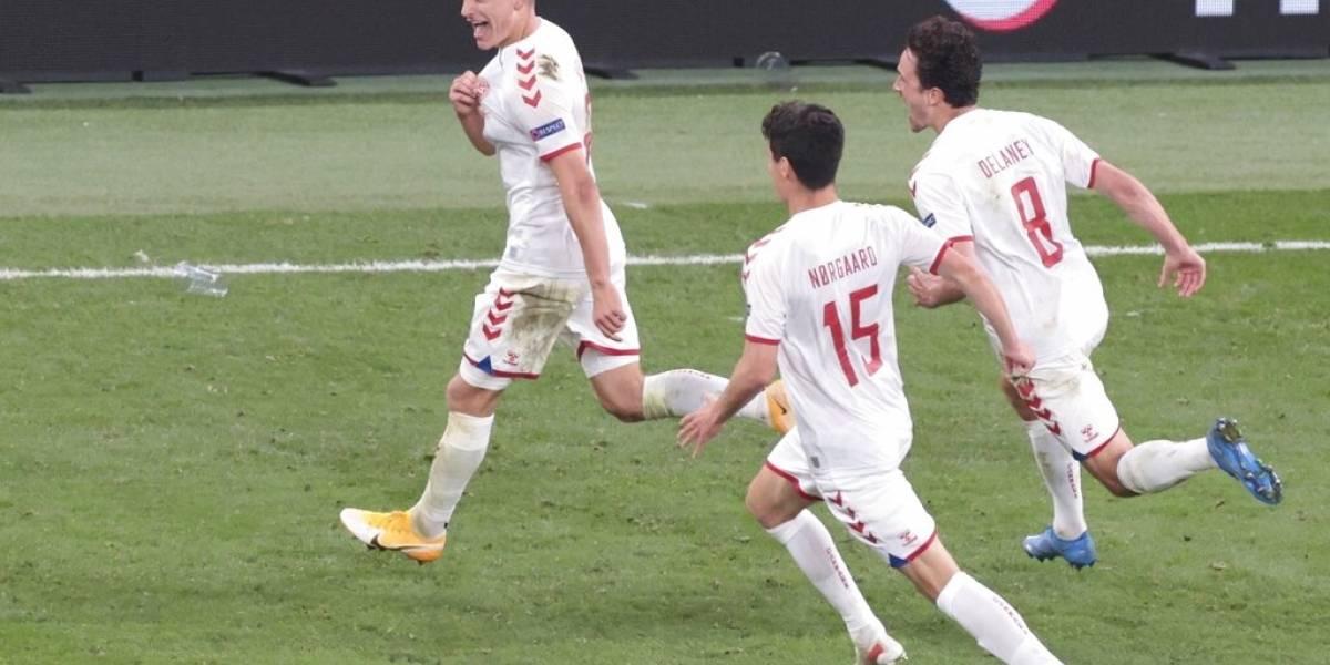 Dinamarca vence 4-1 a Rusia y avanza a octavos de la Eurocopa
