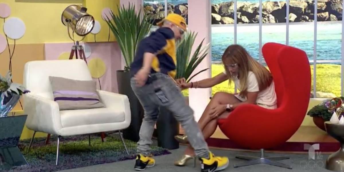 Jowell salva a Alexandra Fuentes de cucaracha en pleno programa