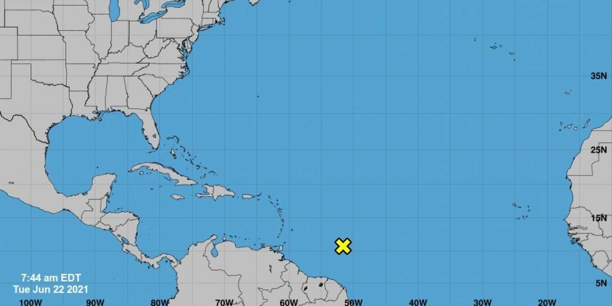 Centro Nacional de Huracanes vigila posible desarrollo de onda tropical