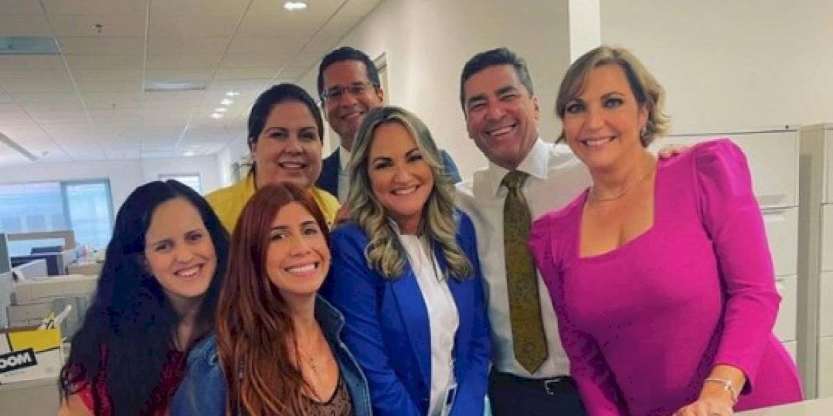 Nuevo equipo de noticias de TeleOnce se encuentra con equipo de Jugando Pelota Dura
