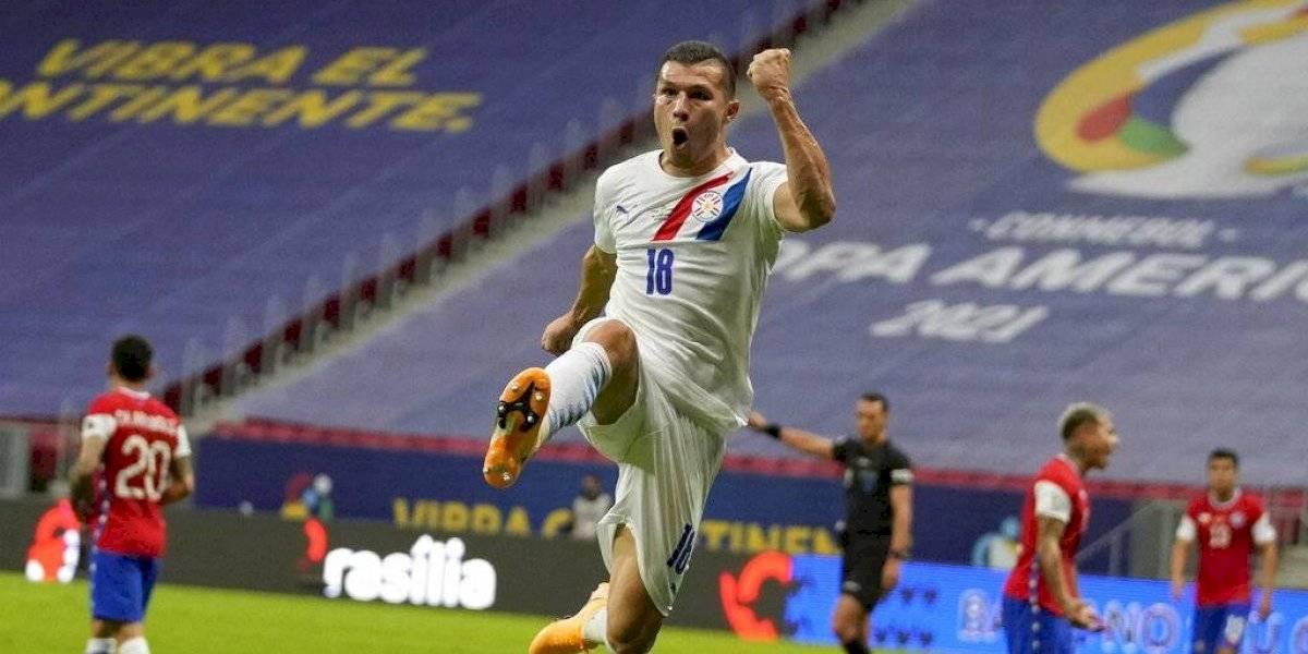 Paraguay vence a Chile y avanza a cuartos de Copa América