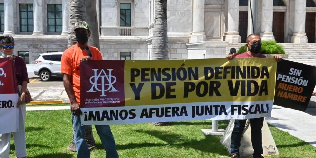 Exigen aprobación de proyecto que elevaría a rango de ley sistema de retiro de UPR