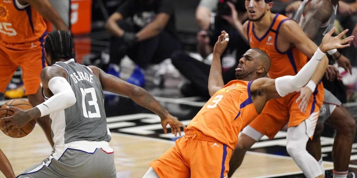 Suns ganan a Clippers para estar a un juego de la final de la NBA