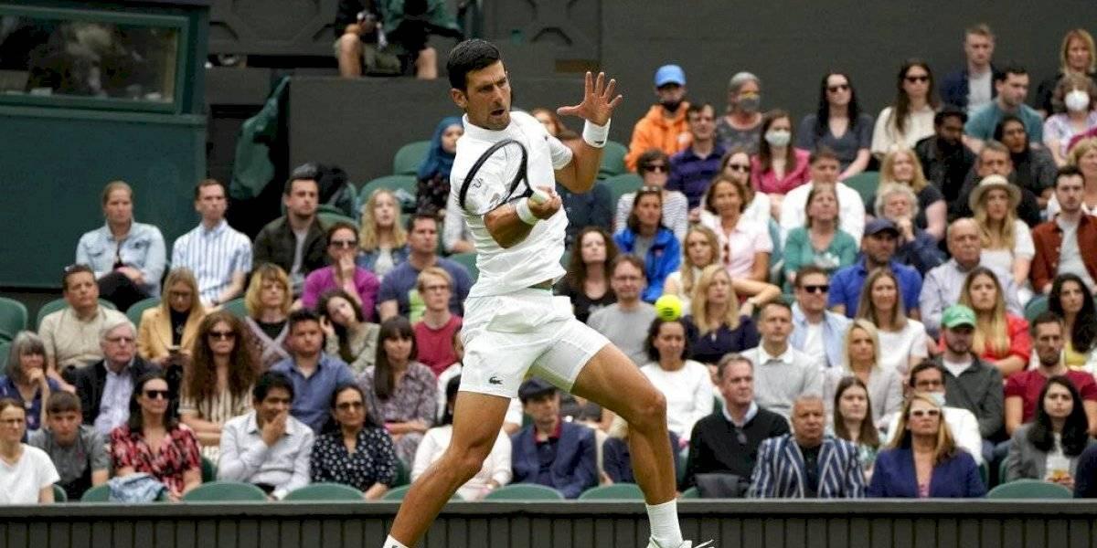Wimbledon regresa bajo la lluvia y con triunfo de Djokovic