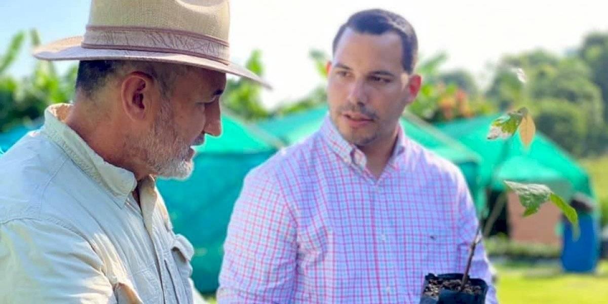 Aguada entrega más de 4,000 árboles de cacao a agricultores