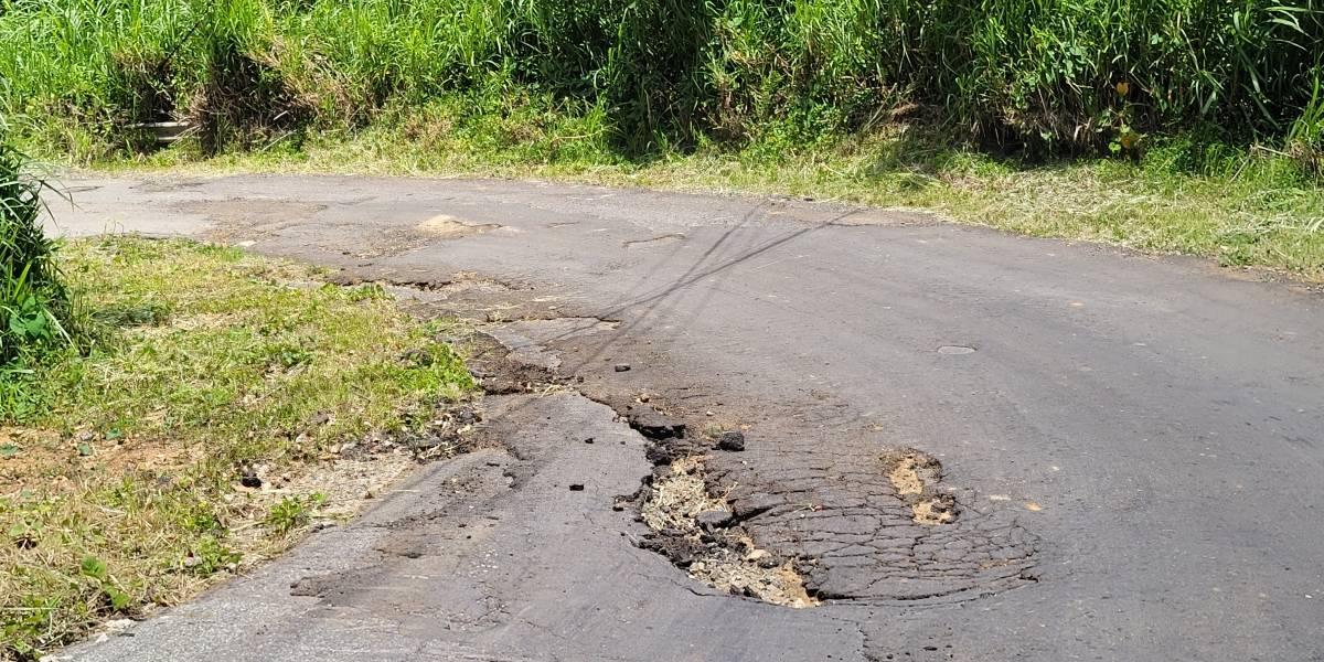 Arreglarán carretera en Ceiba que llevaba casi dos décadas en mal estado