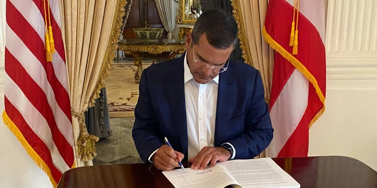 Pierluisi firma el presupuesto aprobado por la legislatura