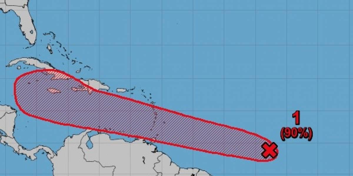 Disturbio en el Atlántico podría convertirse en tormenta tropical esta noche