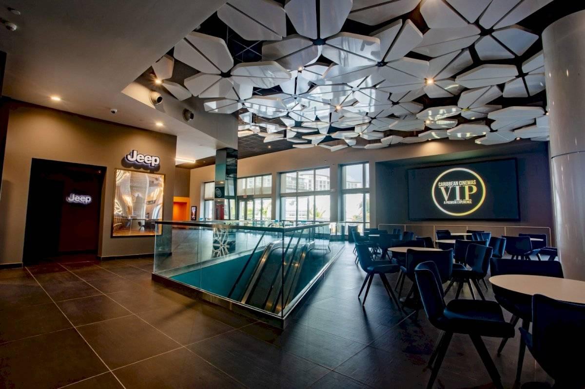 CARIBBEAN CINEMAS VIP EN DISTRITO T-MOBILE