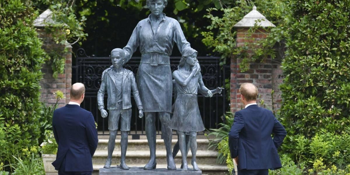 Así es la estatua de la Princesa Diana en Londres