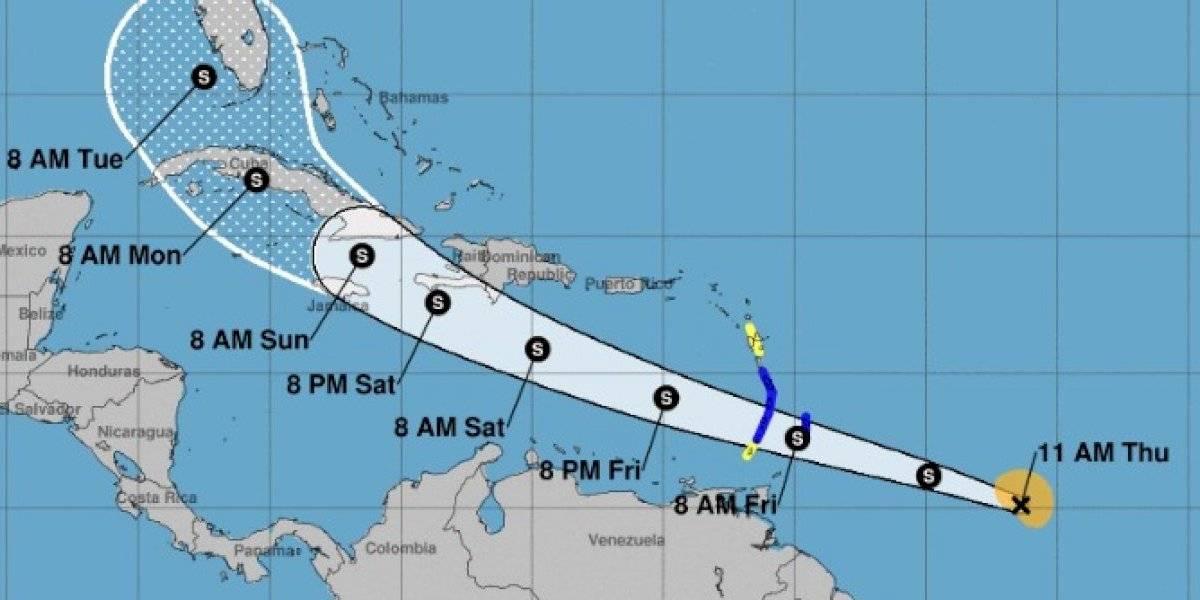 Elsa se fortalece mientras avanza hacia el Caribe