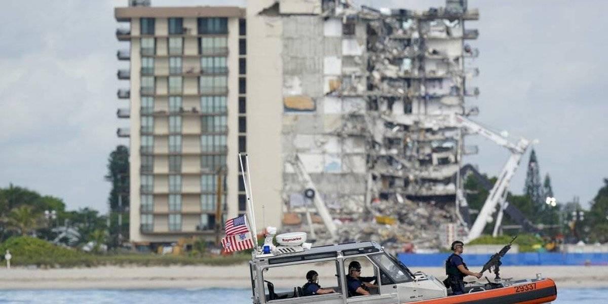 Restos de edificio colapsado en Miami podrían ser derribados