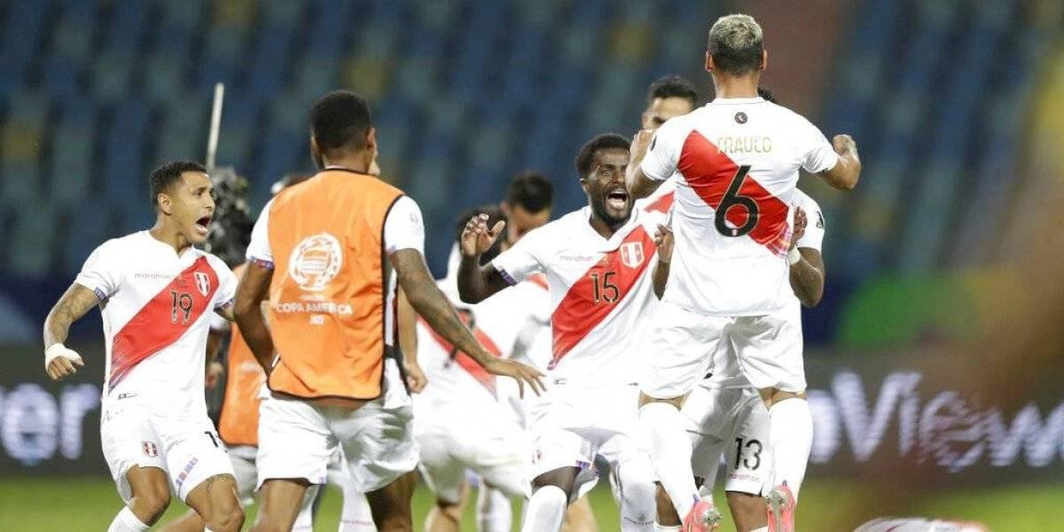 Perú vence a Paraguay por penales y jugará semifinal