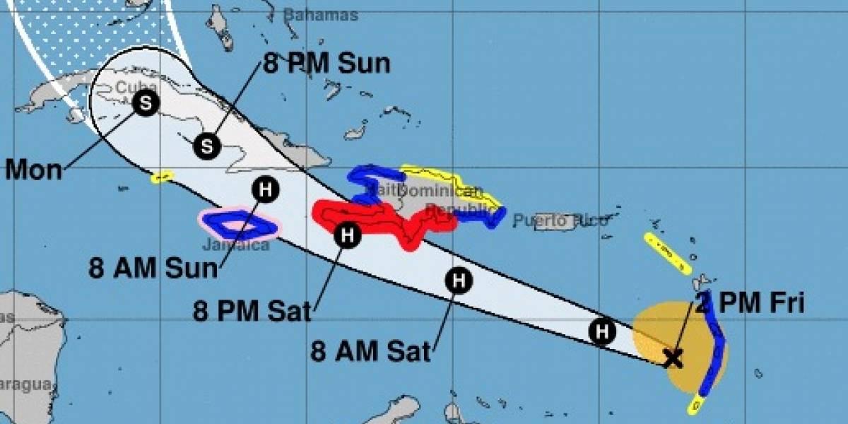 Huracán Elsa se fortalece mientras se adentra en el mar Caribe