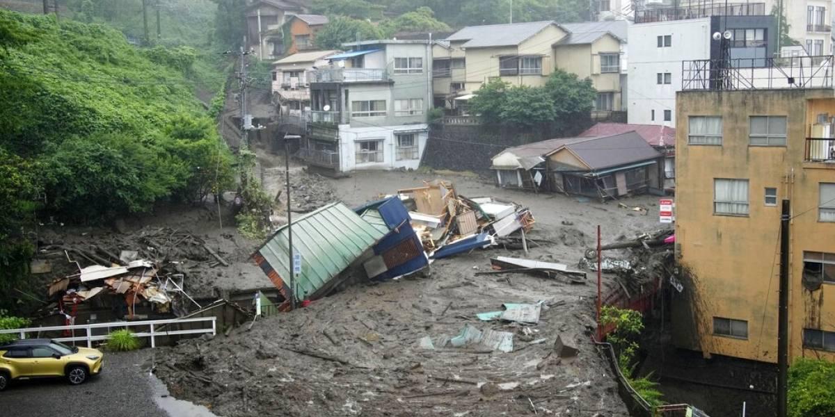 Deslizamiento de tierra deja al menos 19 desaparecidos en Japón