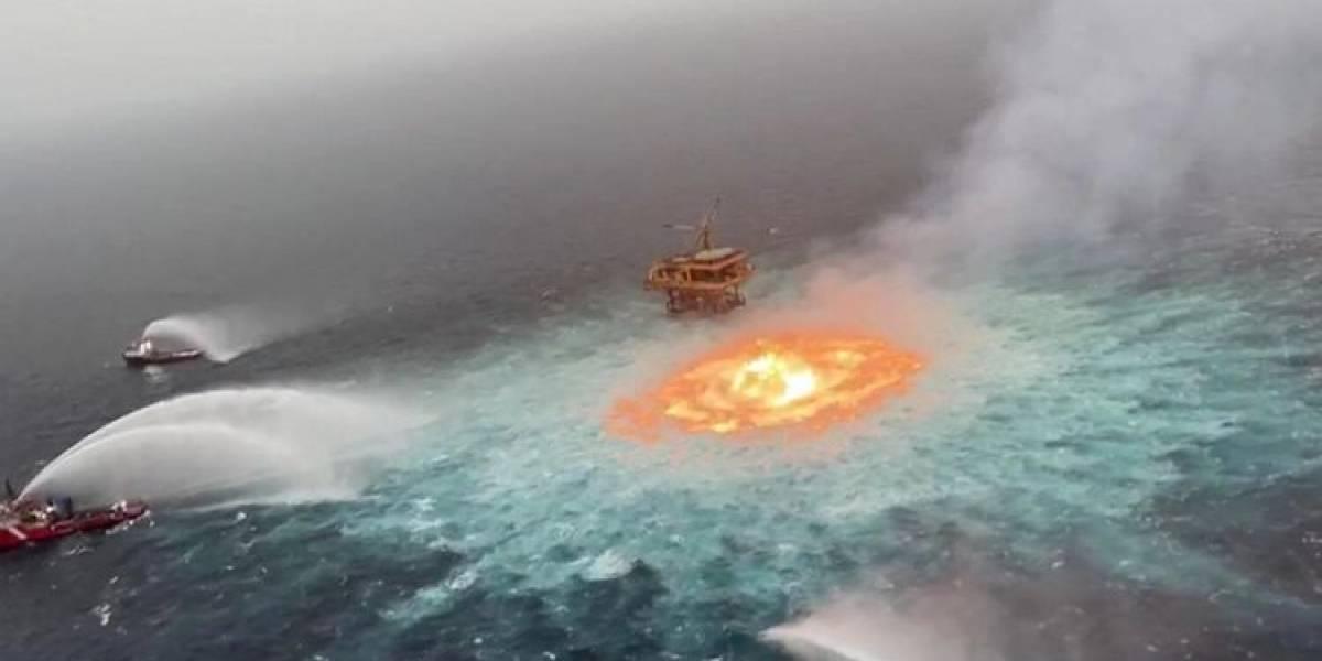 Ambientalistas arremeten contra México por incendio en Golfo