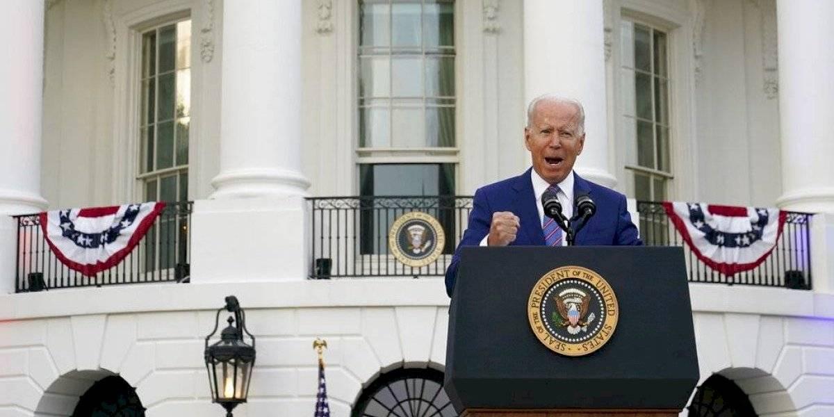 Biden: Estados Unidos está recuperándose, pero el COVID-19 persiste