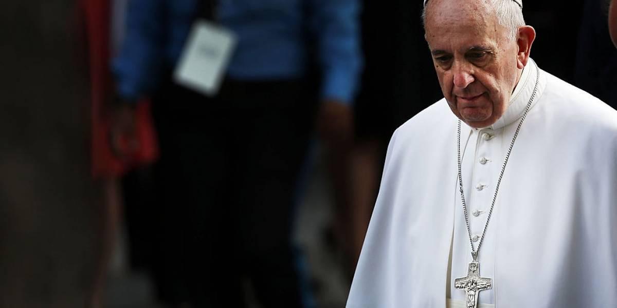 El papa Francisco permanecerá una semana hospitalizado