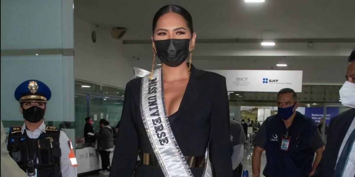 Andrea Meza llega a México tras ganar la corona de Miss Universo 2020